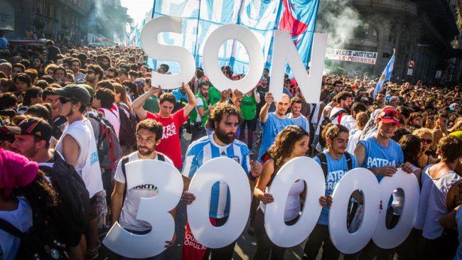 """""""Fue un acto opositor"""": la respuesta del Gobierno a la masiva marcha por el Día de la Memoria"""