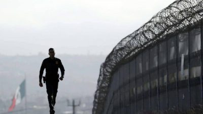 Conmoción en los latinos de EEUU por nuevo decreto migratorio