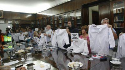 Vidal, más dura: convocará a 60 mil voluntarios por el paro docente