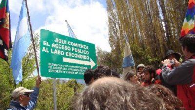 Marcha por la Soberanía en el Lago Escondido, en Bolsón