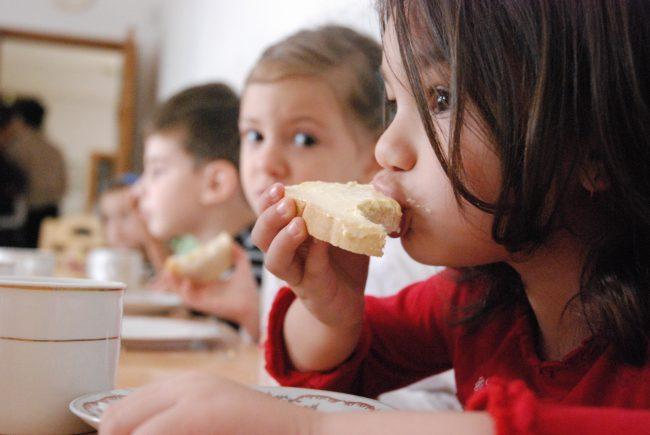 Cambiarán la dieta alimentaria en los comedores municipales de Santiago