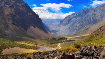 Proponen que el Cajón del Maipo, que tiene paisajes inigualables, sea un paso turístico