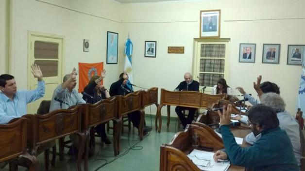 Esquel: Aprueban suspensión al concejal Parisi y comisión investigadora definirá si será destituido