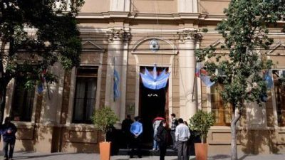 La oposición reclama modificar la coparticipación municipal de La Rioja