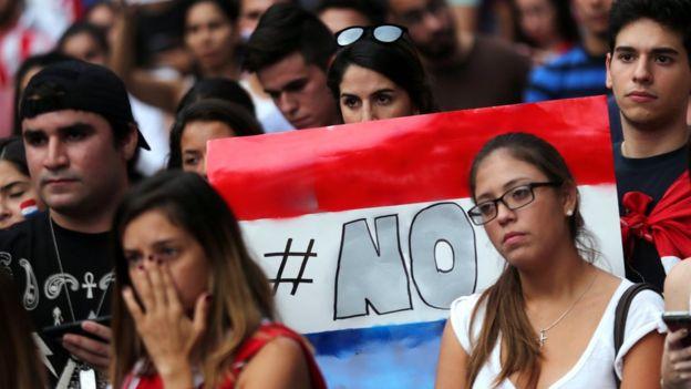 Con Paraguay en crisis, Cartes renuncia a la reelección