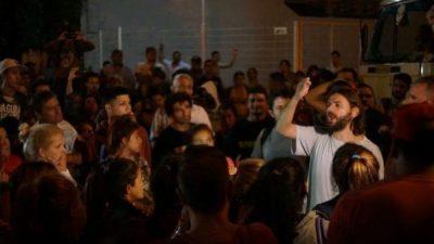 Tres movilizaciones en repudio a la represión en el comedor de Lanús hacen tambalear a Grindetti