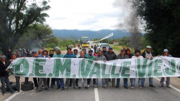 Catamarca: Empleados municipales cortaron rutas en reclamo por el aumento