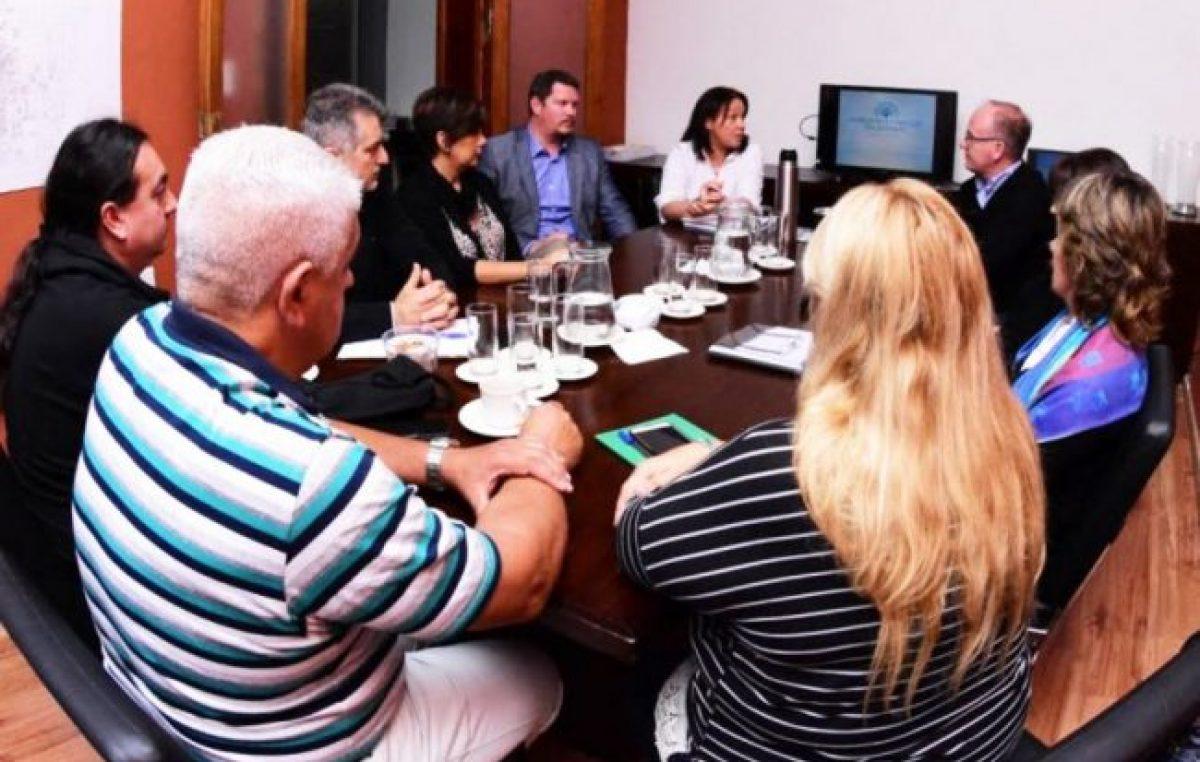 La viceintendenta de Paranáse reunió con los gremios municipales