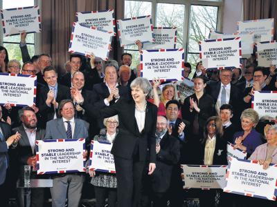El Parlamento británico respaldó a May