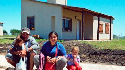 Se construyen más de 3.000 nuevas viviendas rurales en Entre Ríos