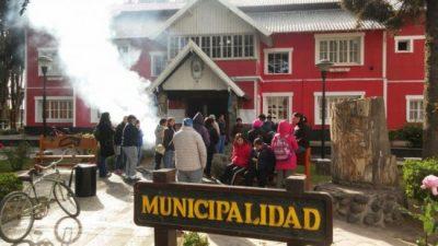Junín de los Andes: Levantaron la toma del municipio tras el compromiso de avanzar con el pase a planta