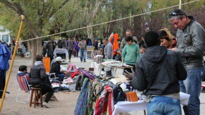 Centenario: La clase media también se las rebusca en las ferias