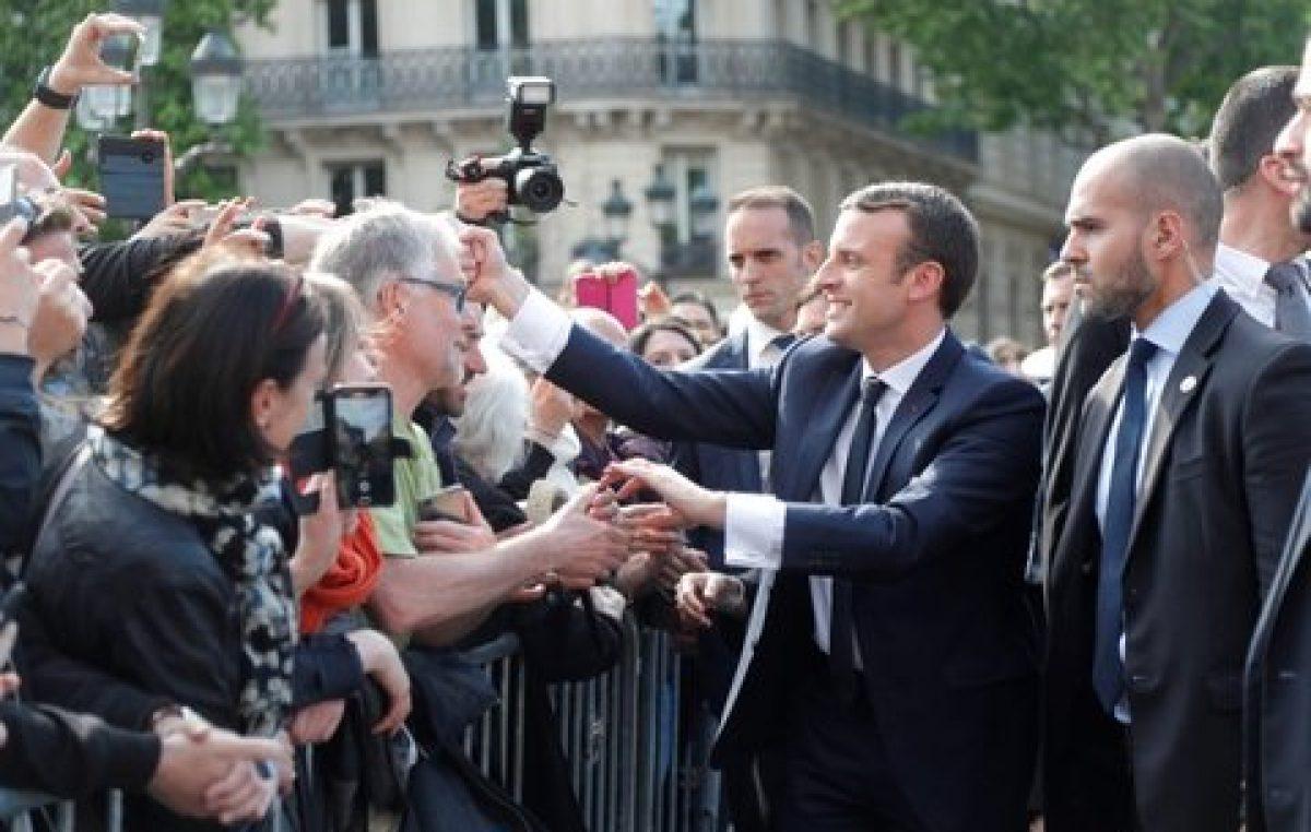 Macron inició su difícil desafío para lograr que Francia recupere su lugar