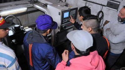 Unos doscientos jóvenes en riesgo social trabajarán en empresas rosarinas