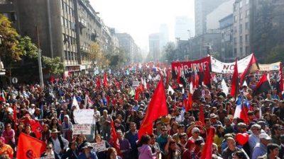 Sindicalismo chileno dividido con dos marchas