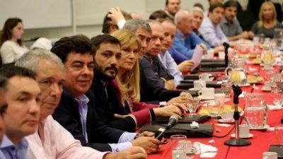 Cumbre de intendentes y La Cámpora: definieron estrategias y están dispuestos a enfrentar a Randazzo