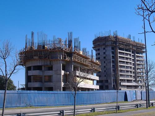 La construcción y el agro impulsaron un leve repunte durante marzo
