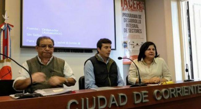Suba salarial y pase a contrato de 200 municipales correntinos