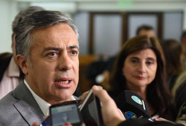 El Gobierno de Mendoza dice que si no hay reforma, habrá límites para intendentes