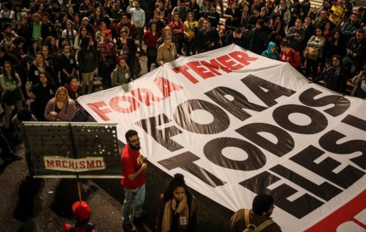 Temer se aferra al sillón presidencial en Brasil