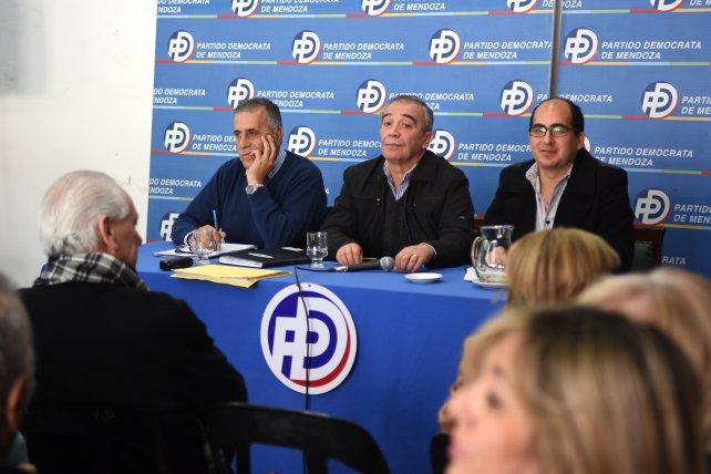 Demócratas buscan cerrar acuerdos en todos los municipios mendocinos