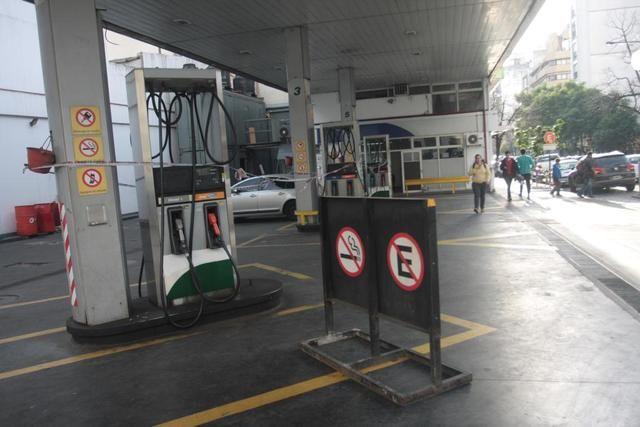 La Plata: En la Región no afloja el cierre de las estaciones de servicio