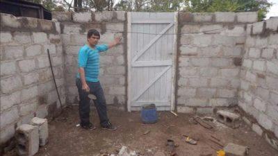Erradican los pisos de tierra en casas de 50 familias pobres de Metán