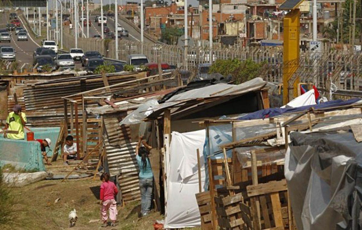 Dos nuevas mediciones de pobreza ponen en jaque al INDEC y al Gobierno