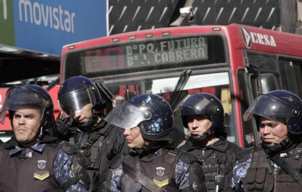 Colectivos circulan normalmente y se mantienen firmes unos 80 despidos en Córdoba
