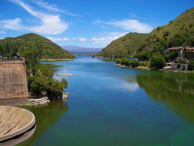 Carlos Paz quiere crear un laboratorio para monitorear el agua del San Roque