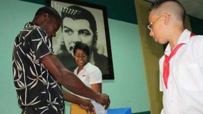 En Cuba convocan a elecciones parciales y generales