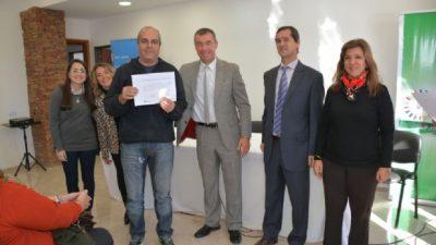 Rivadavia entregó los certificados de Empleo Independiente