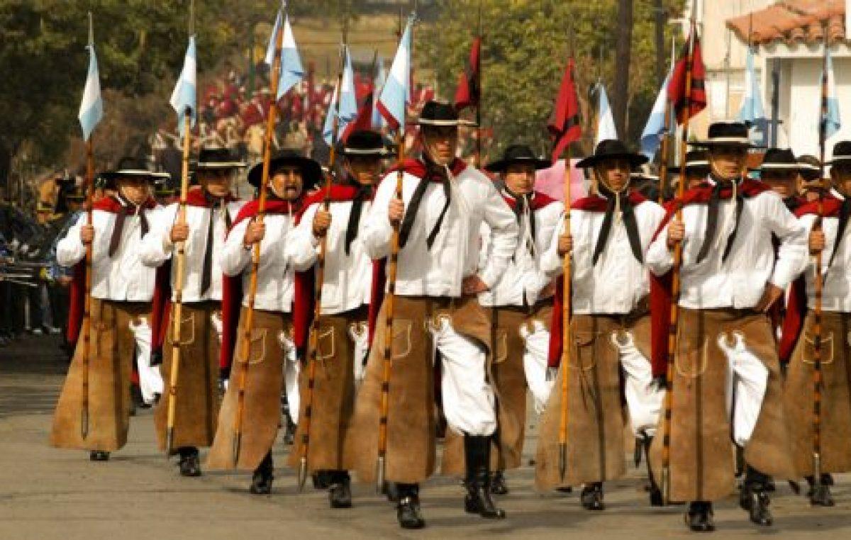 El desfile de los gauchos de Güemes en Salta, 17 de junio