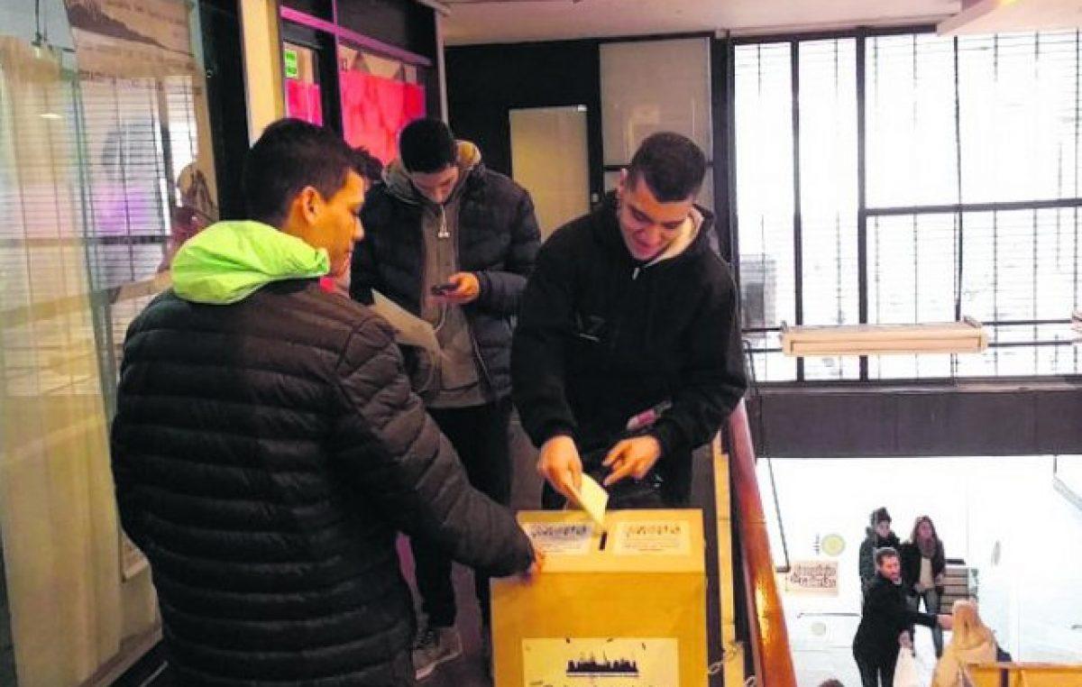 Rosario: Una bolsa de trabajo recibió en dos días 3.500 currículum
