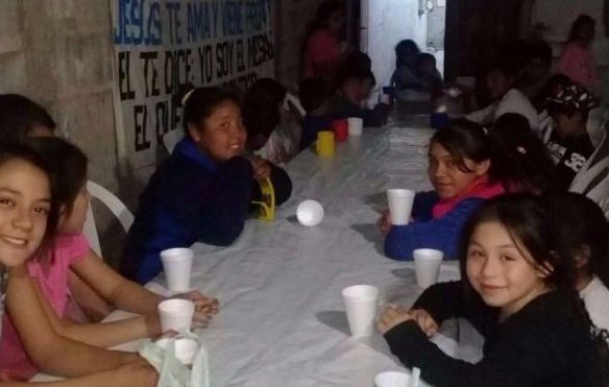 Claudia continúa asistiendo a medio centenar de chicos humildes enRosario de la Frontera