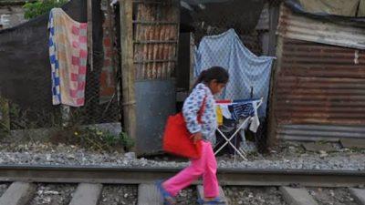 Sampacho: Tierra de nadie, se multiplican los asentamientos en terrenos ferroviarios