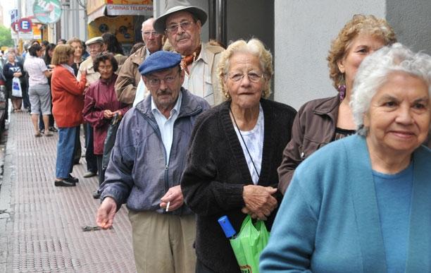 El Gobierno comenzó a apelar sentencias para demorar el cobro de los jubilados
