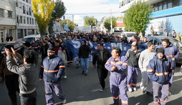 Gremios municipales de Caleta Olivia y Río Gallegos vuelven a parar
