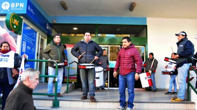 "Municipales de Neuquén amenazan con un publicar una lista de ""ñoquis"""
