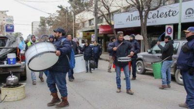 Tres semanas de conflicto de los municipales en Cipolletti