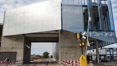 """Rosario: Fein, """"La ciudad invirtió y ahora faltan los trenes"""""""