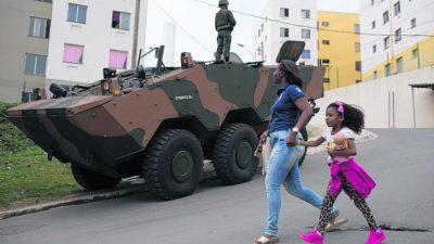 Alrededor de 2.500 soldados irrumpen en un suburbio de Río