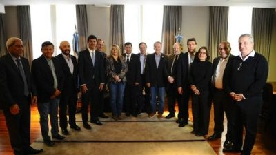 La liga de gobernadores del PJ avanza en una estrategia común contra Vidal