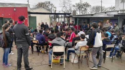 Grave: Gendarmería pidió datos y sacó fotos en una protesta de estudiantes secundarios de Moreno
