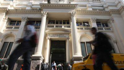 Preocupación: la venta de reservas del Banco Central fue la segunda más importante en 14 años