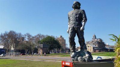 Polémica: piden quitar una estatua del Che Guevara en Rosario