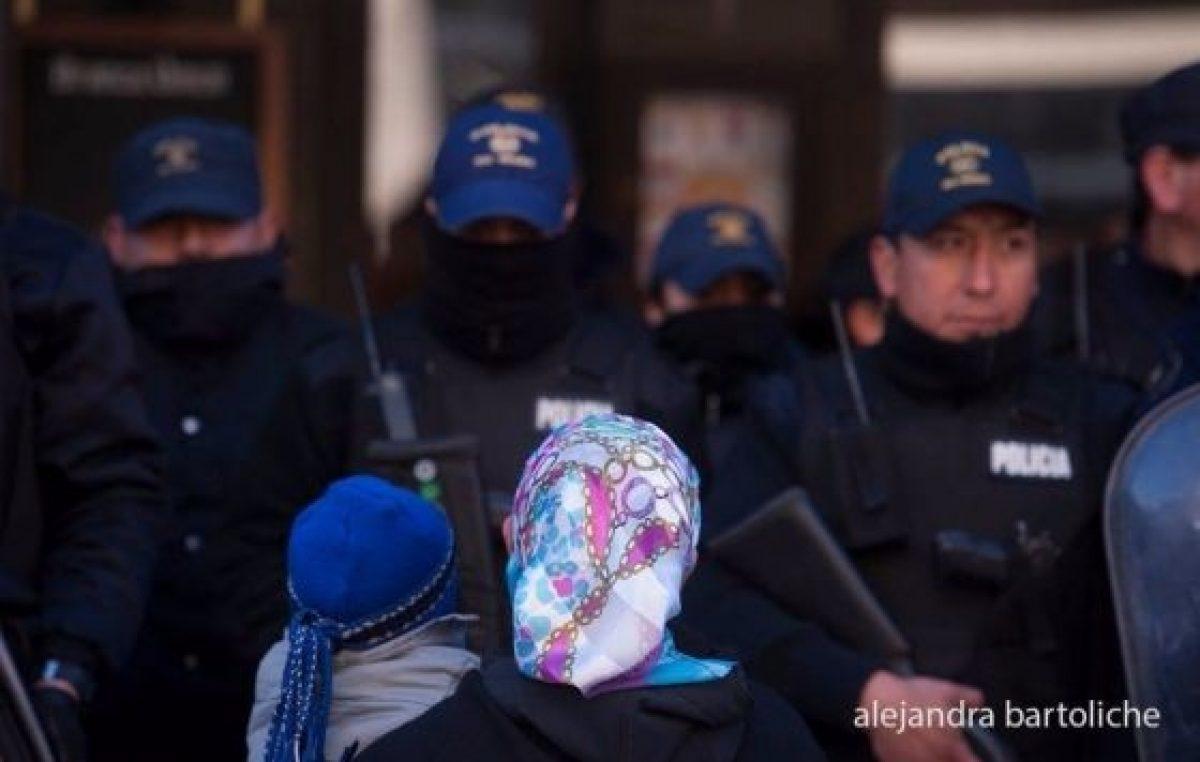 """Más represión contra los mapuches: """"Gendarmería está dentro de la comunidad y disparando"""""""