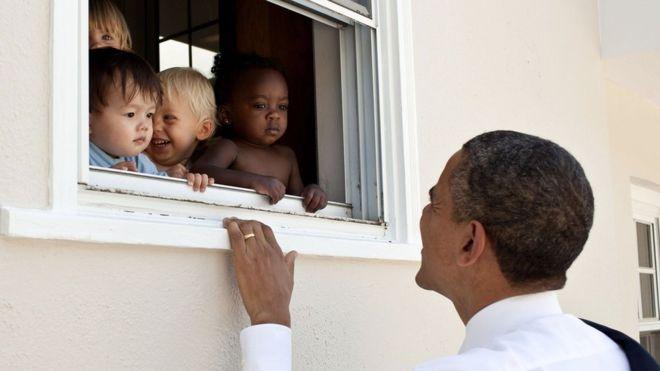 """El tuit de Obama contra el racismo obtiene más """"me gusta"""" de la historia"""