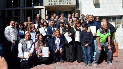 Recategorizaron a 177 empleados municipales deSan Juan