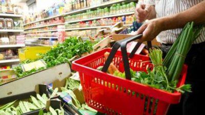 """¿Qué compramos? ¿Qué comemos?: """"La canasta básica cubre comer, no alimentarse saludablemente"""""""